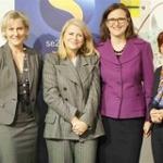 """Avec la Secrétaire d'Etat à la famille Nadine Morano, et la Ministre suédoise des Affaires européennes Cecilia Malmström lors d'une rencontre ministérielle sur l'égalité entre hommes et femmes dans la sphère professionnelle (oct. 2009) • <a style=""""font-size:0.8em;"""" href=""""http://www.flickr.com/photos/45399752@N02/5619214392/"""" target=""""_blank"""">View on Flickr</a>"""