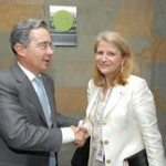 "Avec le Président de la Colombie Álvaro Uribe • <a style=""font-size:0.8em;"" href=""http://www.flickr.com/photos/45399752@N02/5973615266/"" target=""_blank"">View on Flickr</a>"
