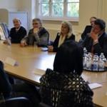 """Table-ronde avec les enseignants, parents d'élèves et administrateurs du collège Voltaire • <a style=""""font-size:0.8em;"""" href=""""http://www.flickr.com/photos/45399752@N02/6325562378/"""" target=""""_blank"""">View on Flickr</a>"""