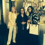 Avec la fondatrice du Women's Museum de Dubai, le Professeur de médecine RafiaGhubash et HessaTahlak de l'Arab Women Leadership Forum