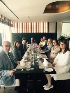 Avec les responsables de l'association des francophones de Bahrein, et Gerard Dahan, conseiller consulaire pour le Bahrein et le Qatar
