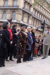 Commemoration11Nov_StatueFoch_Avec l'Ambassadeur de France Sylvie Bermann, l'adjointe au Maire de Westminster et le Consul général à Londres Sylvaine le Vert