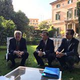 L'ambassadeur Philippe Zeller, le Conseiller culturel Olivier Jacquot et de Yves Teyssier d'Orfeuil, Ministre-Conseiller