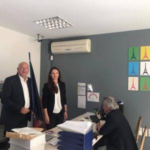 A l'agence consulaire de Porto