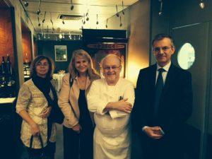 Avec le Consul général Edouard Beslay, son adjointe Nathalie Pradère et le restaurateur JEan-Louis Neichel , fondateur de l'Association des Alsaciens de UFE Catalogne - Union des Français de l'Etranger